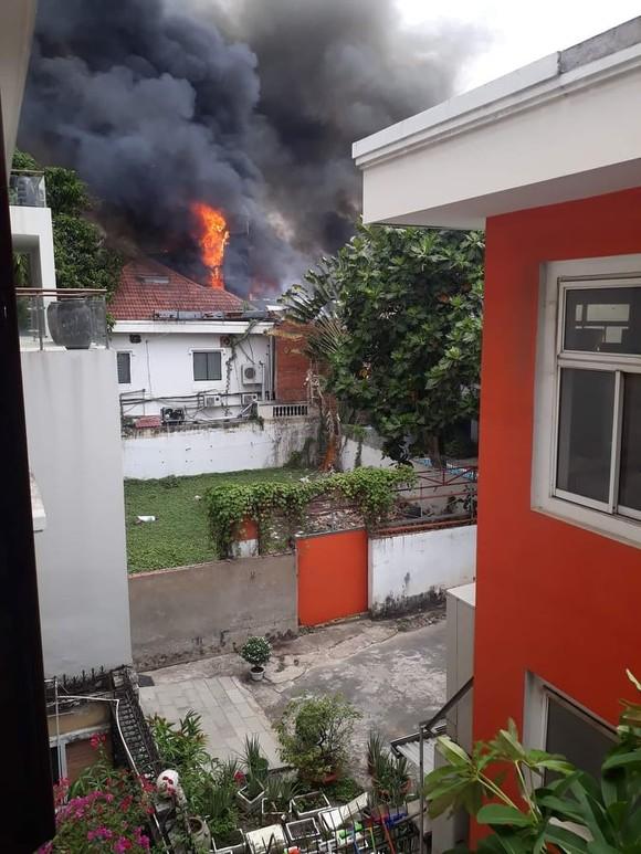 Cháy lớn tại nhà hàng BBQ Plan-K phường Thảo Điền ảnh 1