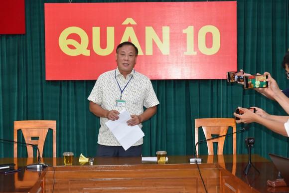 UBND quận 10 thông tin về vụ bảo vệ dân phố đánh 2 thiếu niên trong Trường THCS Nguyễn Văn Tố ảnh 1