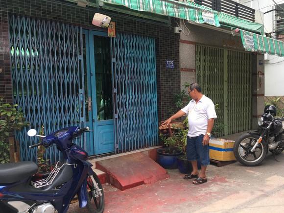 """Một nhà dân liên tục bị """"khủng bố"""" bằng sơn ở quận Bình Tân ảnh 2"""