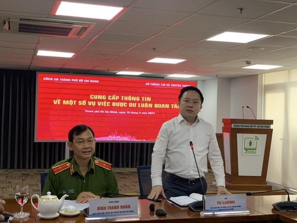 'Quái xế' chặn đường Nguyễn Văn Linh để biểu diễn, nẹt pô giữa ban ngày ảnh 3