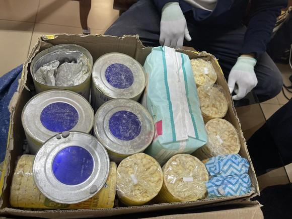 Phát hiện gần 36 kg ma tuý các loại trong lô hàng quà biếu ảnh 4