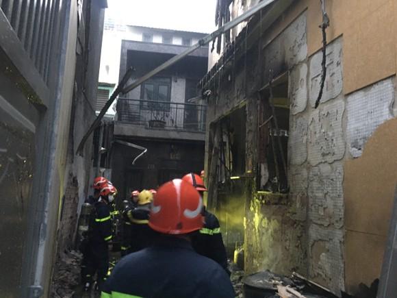 8 người tử vong trong vụ cháy nhà ở quận 11 ảnh 1