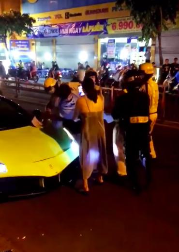 Tiếp tục xử phạt với tài xế 'siêu xe' Ferrari lăng mạ, chống đối CSGT ảnh 3
