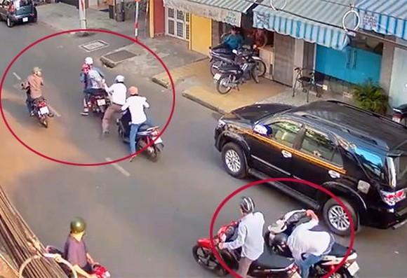 Một vụ cướp giật tài sản trên đường phố. Ảnh minh họa.