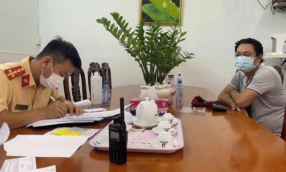 Phạt hành chính 2 tài xế trong vụ đoàn xe ben gây náo loạn Đại lộ Võ Văn Kiệt ảnh 2