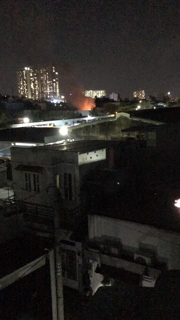 Cháy nhà ở hẻm khu cách ly TP Thủ Đức, 1 người tử vong ảnh 2
