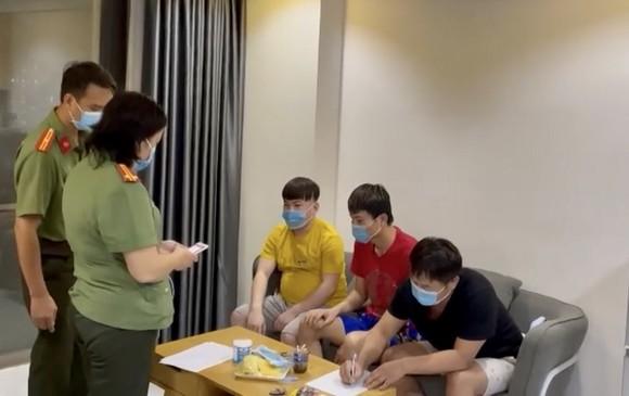 Phát hiện 4 người nước ngoài nhập cảnh trái phép ở Chung cư SaiGon South, huyện Nhà Bè ảnh 1