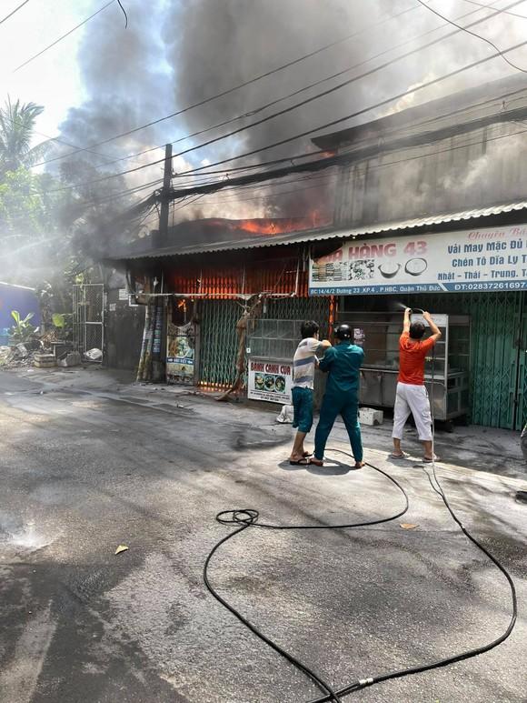 Nguyên nhân ban đầu vụ cháy nhiều nhà dân tại TP Thủ Đức ảnh 1