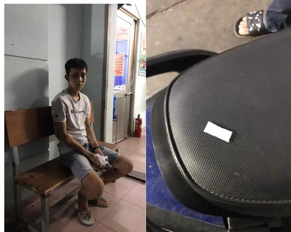Thanh niên giả dân phòng mua ma túy sử dụng ảnh 2