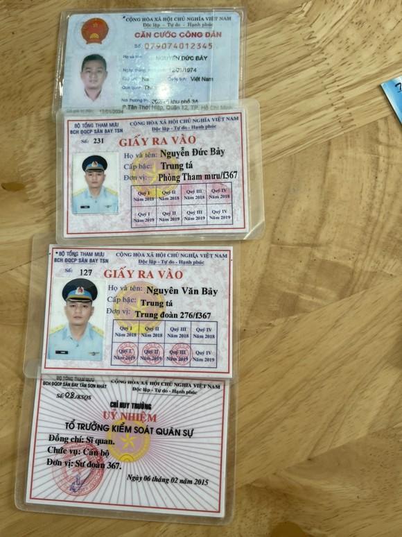 Tài xế dùng giấy tờ quân đội giả chở người từ Đồng Nai lên TPHCM tiêm vaccine ảnh 2
