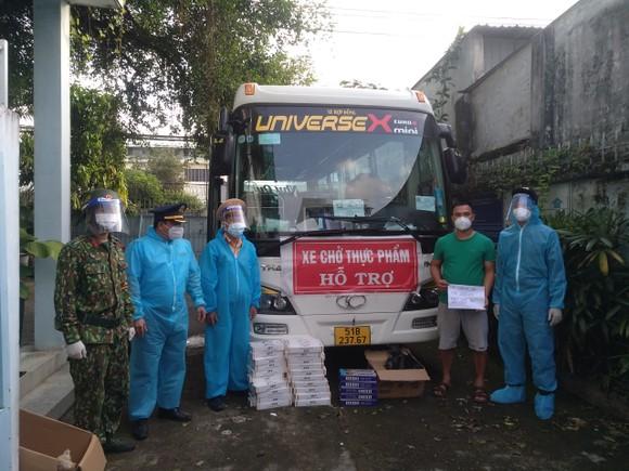 Liên tiếp phát hiện xe luồng xanh chở thuốc lá lậu từ tỉnh Tây Ninh về TPHCM ảnh 2
