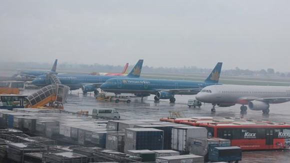 Nhiều chuyến bay bị ảnh hưởng do bão số 9