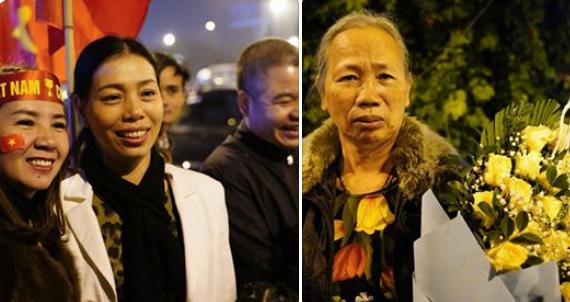 Các cầu thủ U22 và đội tuyển nữ Việt Nam rời sân bay Nội Bài đến diện kiến Thủ tướng ảnh 11