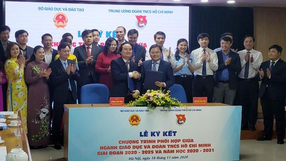 Lễ ký kết chương trình phối hợp giữa Bộ Giáo dục và Đào tao, Trung ương Đoàn TNCS Hồ Chí Minh