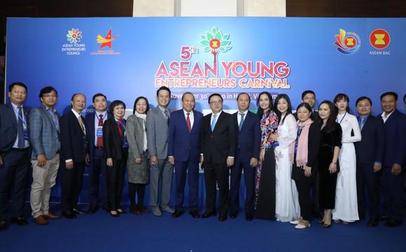 300 doanh nhân trẻ tham dự Carnival Doanh nhân trẻ ASEAN lần thứ 5 ảnh 1