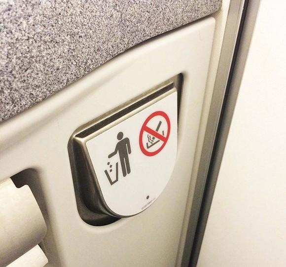 Một hành khách hút thuốc trên máy bay bị cấm bay 12 tháng