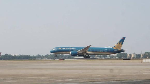 Hoàn thành sửa chữa, nâng cấp đường băng sân bay Tân Sơn Nhất và Nội Bài ảnh 2