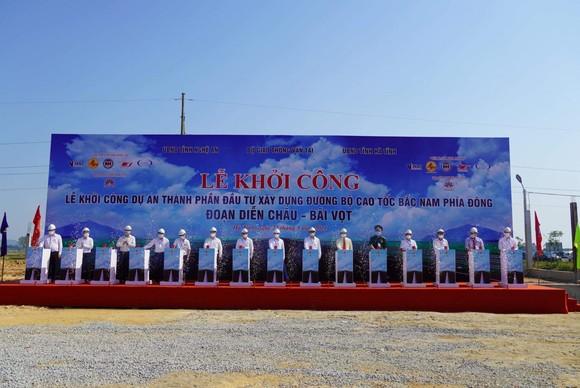 Dự án thành phần đoạn Diễn Châu- Bãi Vọt vừa được khởi công