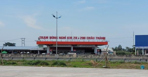 Trạm dừng nghỉ tại Long An được sử dụng làm chốt kiểm dịch