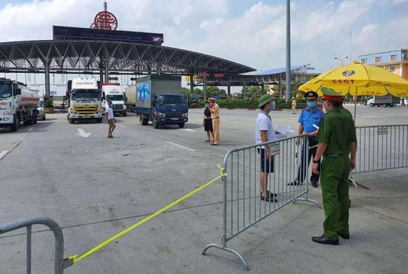 Các phương tiện tránh đi vào TP Hà Nội để giảm ùn tắc