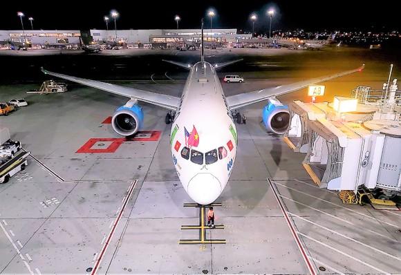 Máy bay của Bamboo Airways hạ cánh tại sân bay  San Francisco (California, Mỹ)