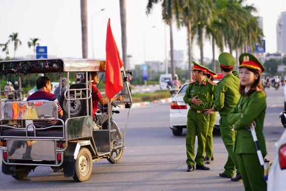 Lượt về bán kết AFF Cup: An ninh thắt chặt mọi ngả đường về sân Mỹ Đình ảnh 2