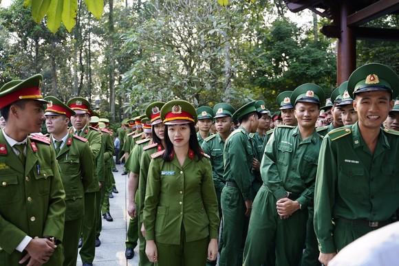"""Phủ xanh 2.000 cây Thông Mã Vĩ trên đồi cây """"Dâng Bác – Ơn Thầy"""" ảnh 6"""