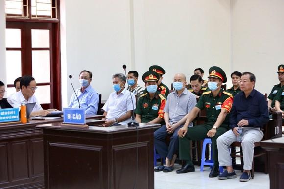 Quân chủng Hải Quân mong muốn tòa giảm nhẹ đặc biệt cho ông Nguyễn Văn Hiến ảnh 2
