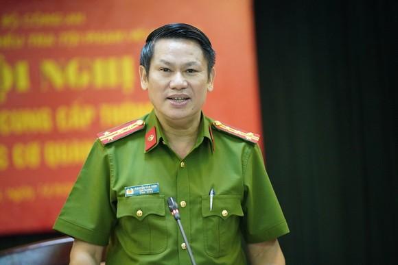 Đại tá Nguyễn Văn Viện thông tin tại cuộc gặp gỡ cơ quan báo chí. Ảnh: GIA KHÁNH