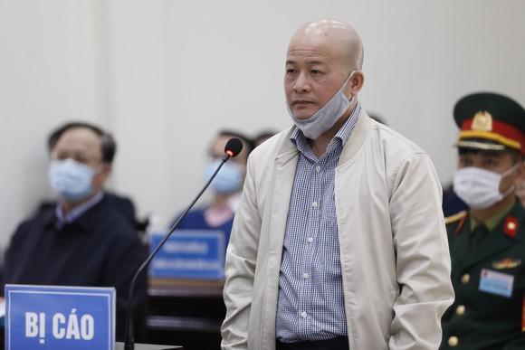 Cựu Thứ trưởng Bộ Quốc phòng Nguyễn Văn Hiến được giảm 6 tháng tù ảnh 3