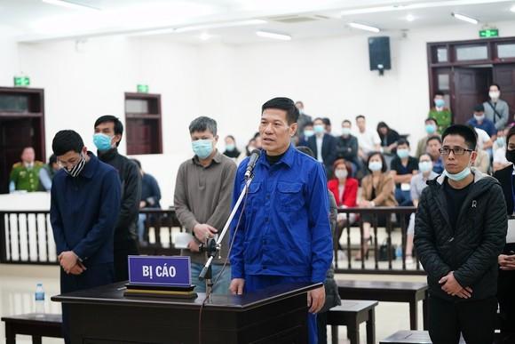 Cựu Giám đốc CDC Hà Nội xin tòa giảm nhẹ cho thuộc cấp của mình ảnh 1
