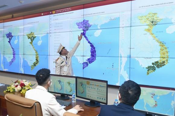 Thủ tướng Nguyễn Xuân Phúc: Đẩy nhanh việc chuyển đổi số trong quản lý dân cư ảnh 3