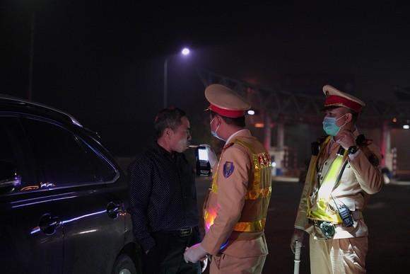 Từ 0 giờ ngày 15-3, Cảnh sát giao thông tổng kiểm tra nồng độ cồn, ma túy ảnh 9