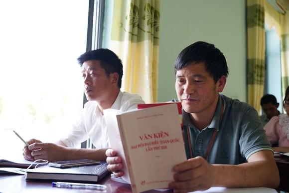 Băng hàng chục cây số đường rừng để học Nghị quyết của Đảng ảnh 15
