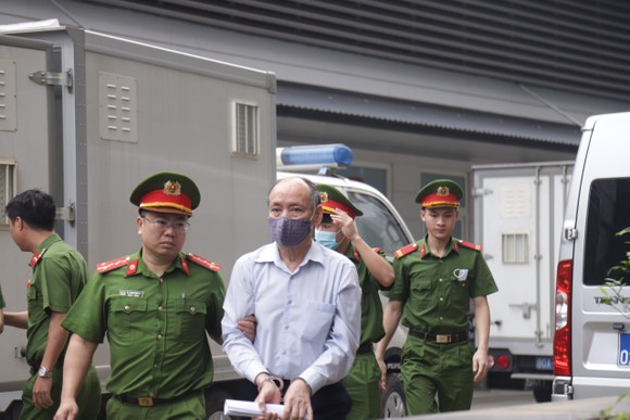 19 bị cáo trong vụ án tại Công ty gang thép Thái Nguyên hầu tòa ảnh 1