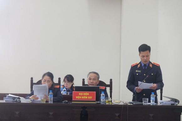 Viện Kiểm sát bác bỏ quan điểm đổi tội danh cho các bị cáo vụ Gang thép Thái Nguyên ảnh 1