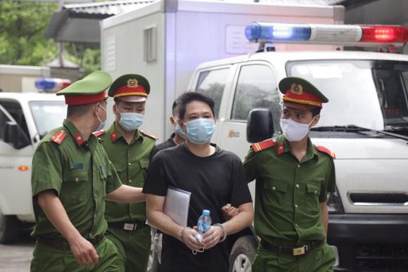 Hôm nay 5-5, xét xử 15 bị cáo trong vụ án tại Công ty Nhật Cường ảnh 3