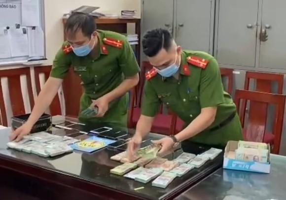 Triệt phá đường dây lô đề 1.200 tỷ đồng ở Hà Nội ảnh 1