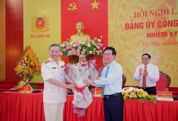 Tổng Bí thư Nguyễn Phú Trọng: Chú ý xây dựng con người, 'quân phải tinh, tướng phải mạnh' ảnh 3