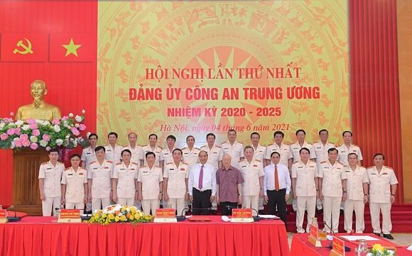 Tổng Bí thư Nguyễn Phú Trọng: Chú ý xây dựng con người, 'quân phải tinh, tướng phải mạnh' ảnh 4