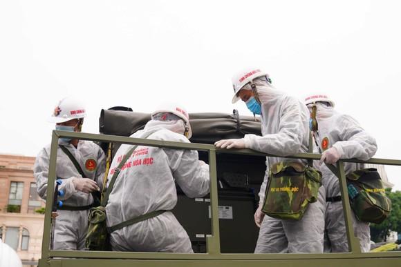 15 xe đặc chủng phun khử khuẩn tại 3 quận nội thành Hà Nội ảnh 8
