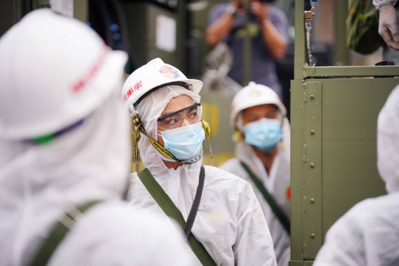 15 xe đặc chủng phun khử khuẩn tại 3 quận nội thành Hà Nội ảnh 5