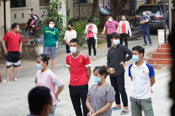 500 công nhân, tiểu thương phải xét nghiệm sàng lọc Covid-19 ảnh 4