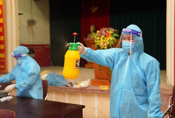 500 công nhân, tiểu thương phải xét nghiệm sàng lọc Covid-19 ảnh 14
