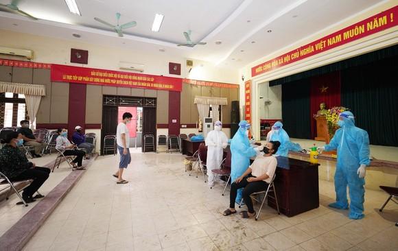 500 công nhân, tiểu thương phải xét nghiệm sàng lọc Covid-19 ảnh 13
