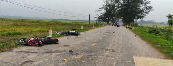 Tai nạn xe máy trong đêm Trung thu, 5 người chết và 3 người bị thương ảnh 1