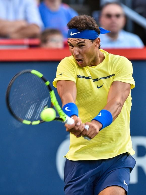 Federer, Nadal thắng trận mở màn ảnh 2