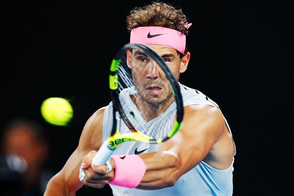 Rafael Nadal trong trận đấu với Marin Cilic