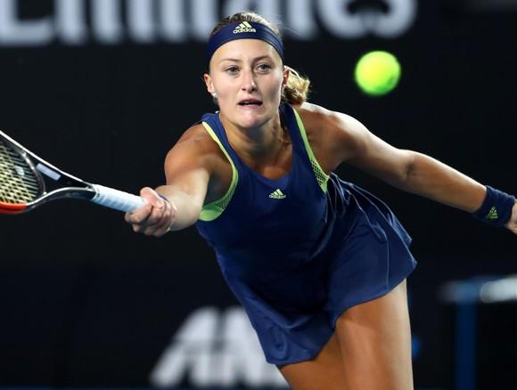 """Kristina Mladenovic đã thoát khỏi chuỗi trận """"bất khả chiến thắng"""""""