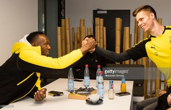 Usain Bolt: Đang tập luyện cùng Borussia Dortmund trong ngày hôm nay ảnh 6